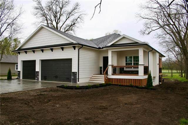 918 Main Street, Wellsville, KS 66092 (#2217196) :: Eric Craig Real Estate Team