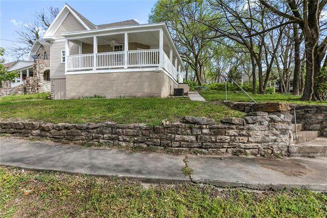 212 Cliff Drive, Excelsior Springs, MO 64024 (#2217692) :: House of Couse Group