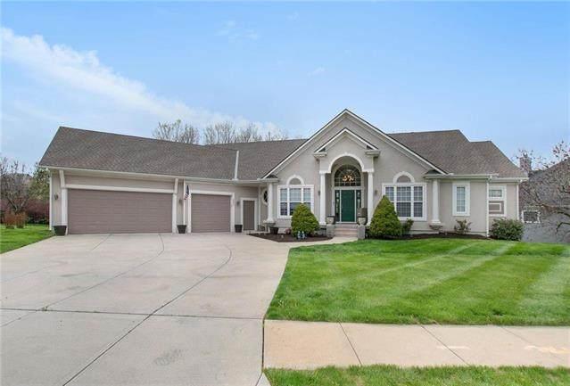 6402 Cooper Street, Shawnee, KS 66218 (#2217816) :: House of Couse Group