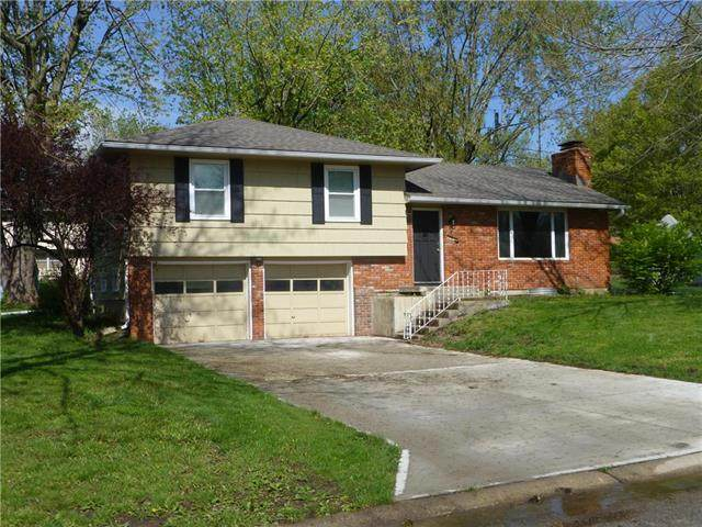 704 Galaxie Avenue, Harrisonville, MO 64701 (#2218034) :: House of Couse Group