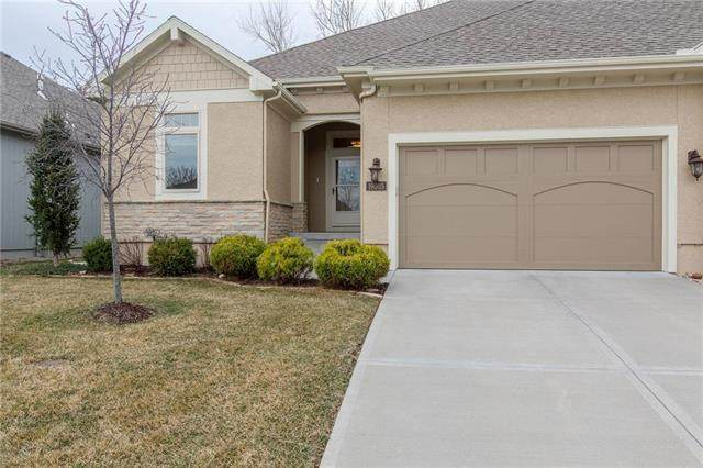 19605 W 100th Street, Lenexa, KS 66220 (#2218171) :: Eric Craig Real Estate Team