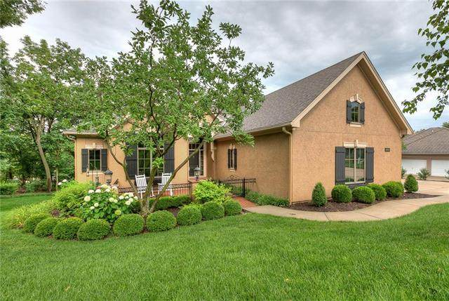 4406 N Mulberry Drive, Kansas City, MO 64116 (#2218731) :: House of Couse Group