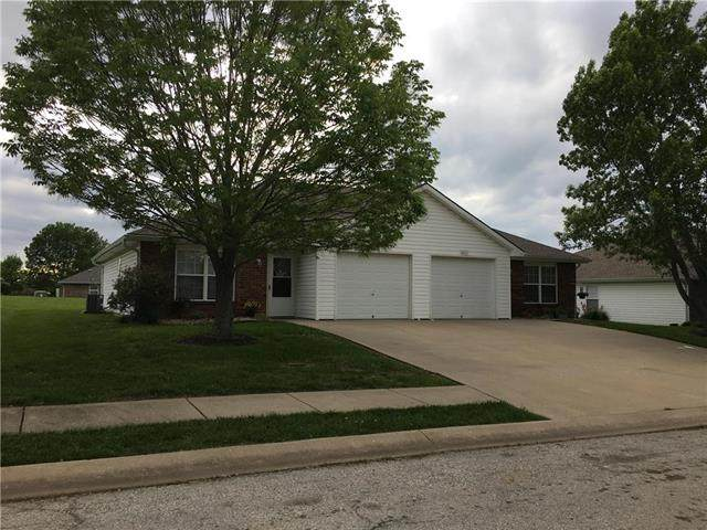2213 Addie Drive, Pleasant Hill, MO 64080 (#2218916) :: House of Couse Group