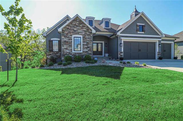 4545 NE Sherwood Drive, Lee's Summit, MO 64064 (#2219349) :: Eric Craig Real Estate Team