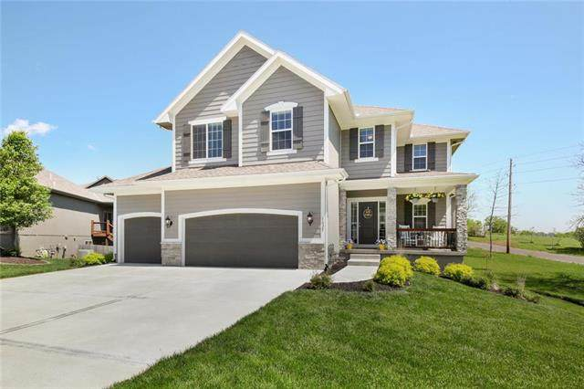 1025 SE Carmine Court, Blue Springs, MO 64014 (#2219372) :: Audra Heller and Associates