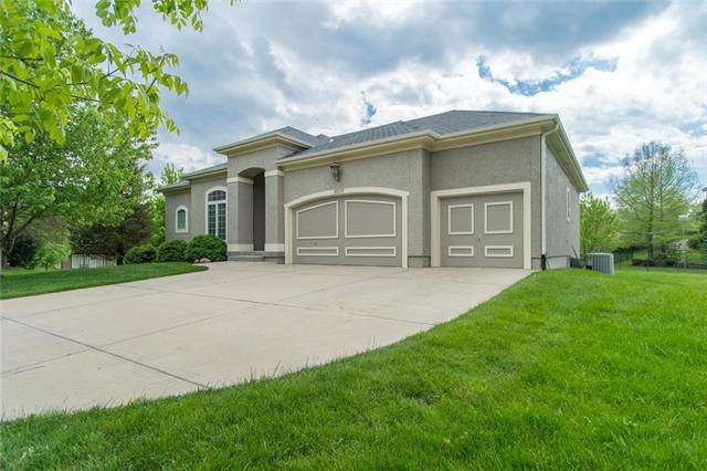 16232 Cambridge Street, Overland Park, KS 66085 (#2219709) :: Audra Heller and Associates