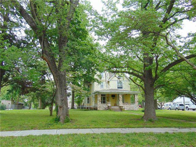 1204 E Pine Street, Harrisonville, MO 64701 (#2220379) :: House of Couse Group