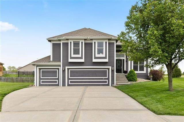10909 N Madison Avenue, Kansas City, MO 64155 (#2220438) :: Dani Beyer Real Estate