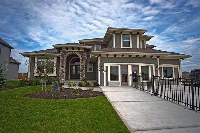 15721 W 165th Terrace, Olathe, KS 66062 (#2220569) :: Audra Heller and Associates