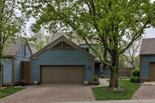 307 Westwoods Circle, Liberty, MO 64068 (#2220585) :: Audra Heller and Associates