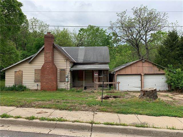 524 S Commercial Street, Smithville, MO 64089 (#2220614) :: House of Couse Group