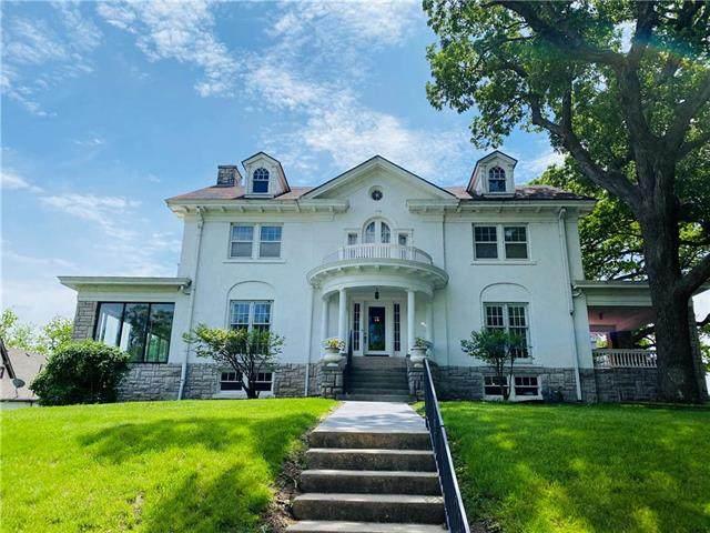 320 V Street, Atchison, KS 66002 (#2220922) :: Ron Henderson & Associates