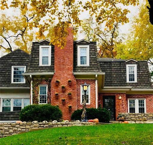 4924 Westwood Road, Kansas City, MO 64112 (#2220933) :: Audra Heller and Associates