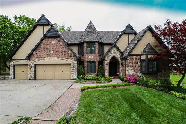 321 NE Chelmsford Court, Lee's Summit, MO 64064 (#2221028) :: Eric Craig Real Estate Team