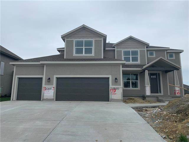 20310 W 80th Street, Shawnee, KS 66218 (#2221063) :: House of Couse Group