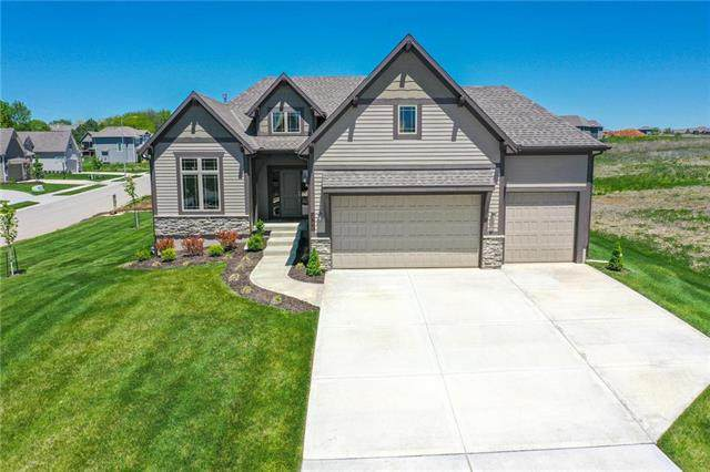 2790 SW 12th Street, Lee's Summit, MO 64081 (#2221190) :: House of Couse Group