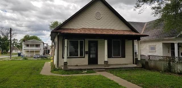 204 Texas Avenue, St Joseph, MO 64504 (#2221218) :: Ron Henderson & Associates
