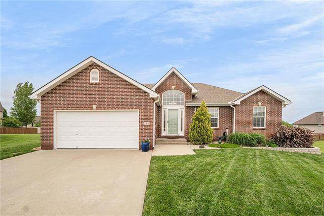 946 Moore Place, Odessa, MO 64076 (#2221426) :: The Shannon Lyon Group - ReeceNichols