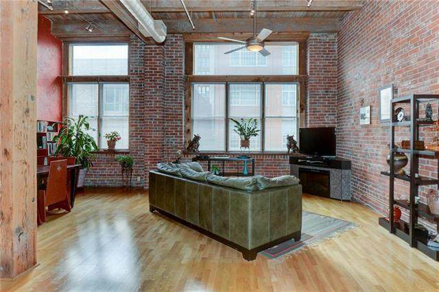 306 W 7TH #204 Street #204, Kansas City, MO 64105 (#2221547) :: Audra Heller and Associates