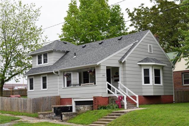 1601 Walnut Street, Higginsville, MO 64037 (#2221609) :: The Shannon Lyon Group - ReeceNichols