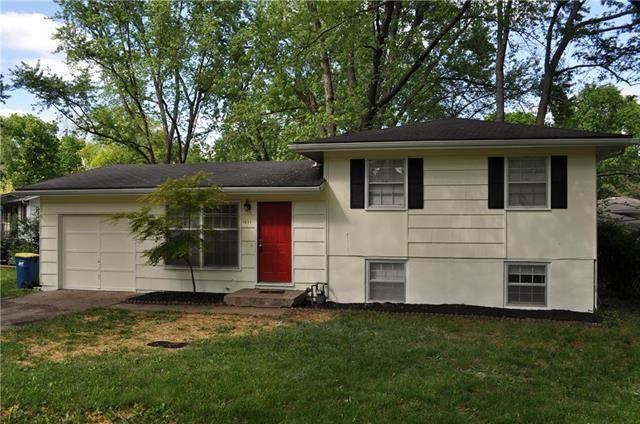 1011 S Prairie Street, Liberty, MO 64068 (#2221897) :: Eric Craig Real Estate Team