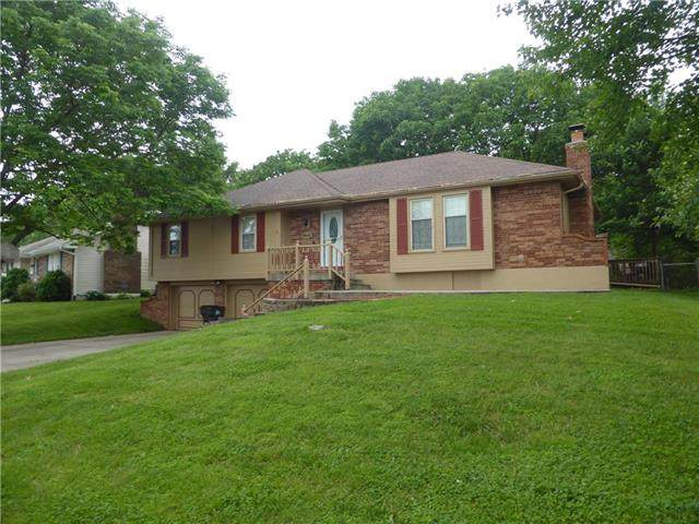 1609 SW 23rd Street, Blue Springs, MO 64015 (#2221953) :: The Shannon Lyon Group - ReeceNichols
