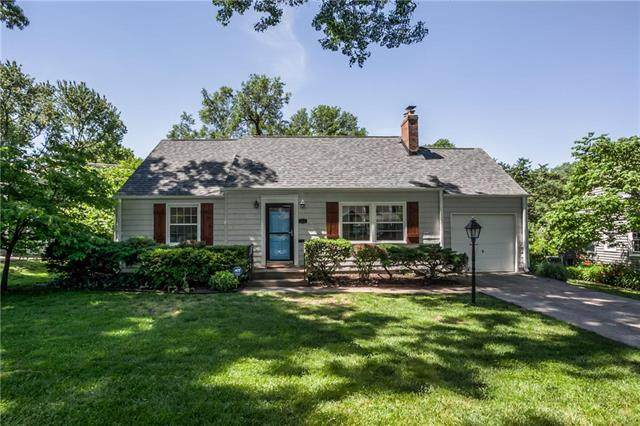 4121 W 74th Street, Prairie Village, KS 66208 (#2222039) :: House of Couse Group