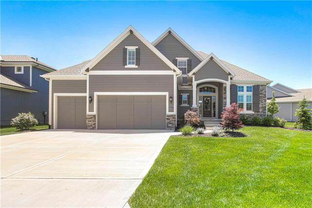 10413 W 170th Place, Overland Park, KS 66221 (#2222097) :: Jessup Homes Real Estate | RE/MAX Infinity