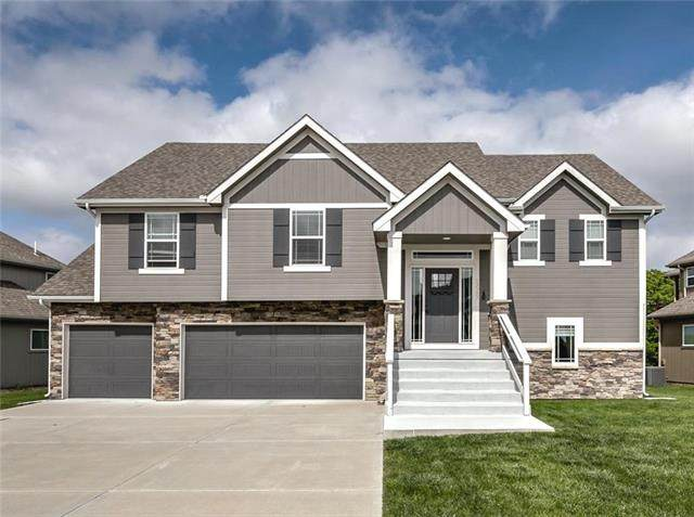 13505 Forest Oaks Drive, Smithville, MO 64089 (#2222122) :: Eric Craig Real Estate Team