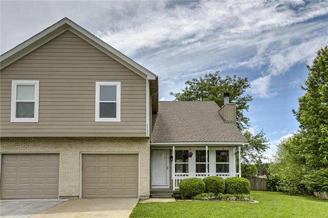 11661 Garnett Street, Overland Park, KS 66210 (#2222127) :: Eric Craig Real Estate Team