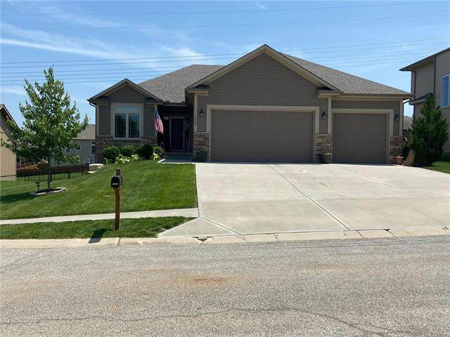 1004 NW Sycamore Court, Grain Valley, MO 64029 (#2222152) :: The Shannon Lyon Group - ReeceNichols