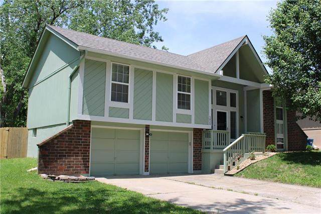 1424 N Inca Drive, Independence, MO 64056 (#2222226) :: The Shannon Lyon Group - ReeceNichols