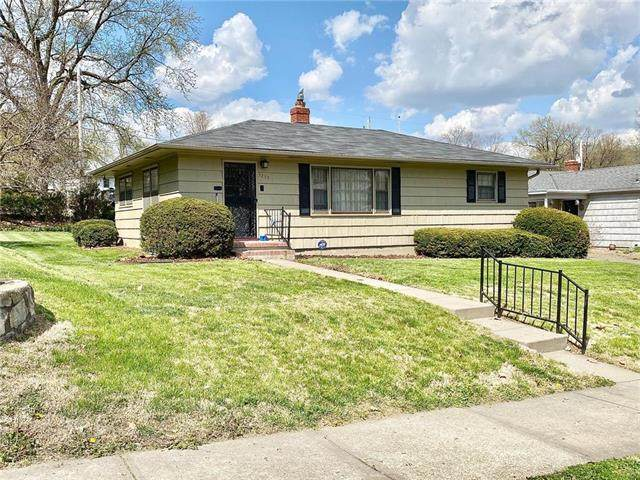 3237 Sacramento Street, St Joseph, MO 64507 (#2222254) :: Ask Cathy Marketing Group, LLC