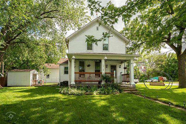 1519 College Street, Baldwin City, KS 66006 (#2222279) :: House of Couse Group