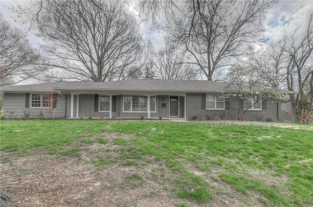5411 W 80th Terrace, Prairie Village, KS 66208 (#2222315) :: The Shannon Lyon Group - ReeceNichols