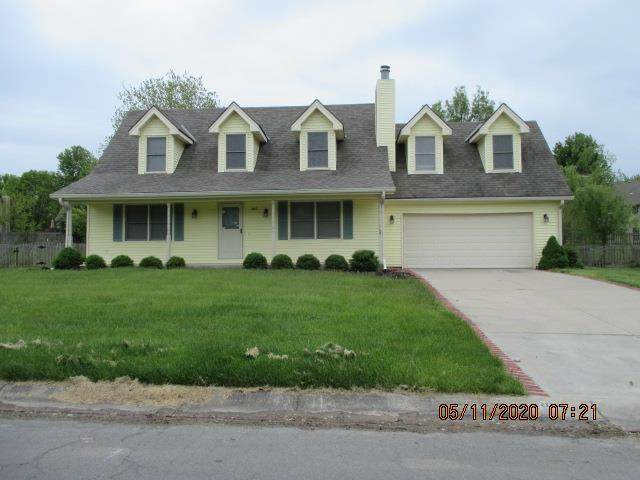 305 SW Green Teal Street, Lee's Summit, MO 64082 (#2222322) :: Ask Cathy Marketing Group, LLC