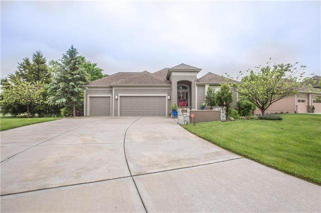 1337 NE Kenwood Drive, Lee's Summit, MO 64064 (#2222345) :: Dani Beyer Real Estate