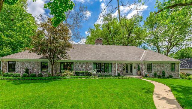 2801 W 67th Street, Mission Hills, KS 66208 (#2222350) :: The Shannon Lyon Group - ReeceNichols