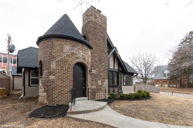 5 E 70th Terrace, Kansas City, MO 64113 (#2222463) :: House of Couse Group