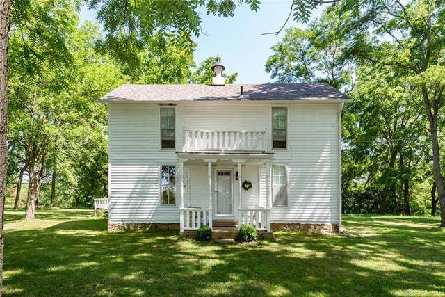 13816 S Outer Belt Extension, Lone Jack, MO 64070 (#2222476) :: Edie Waters Network