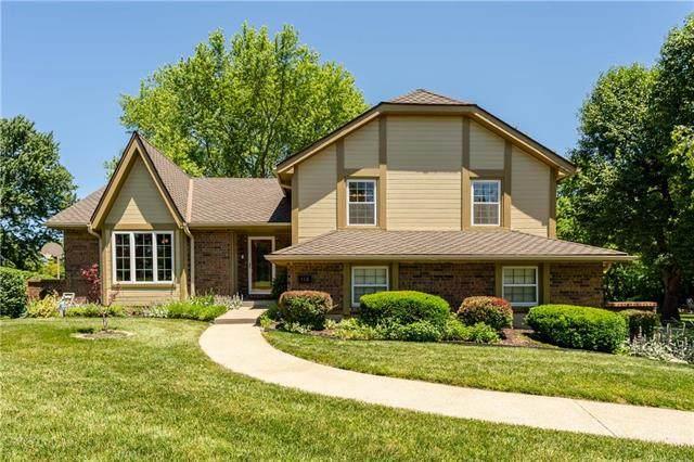 118 NW Lakewood Boulevard, Lee's Summit, MO 64064 (#2222486) :: Eric Craig Real Estate Team