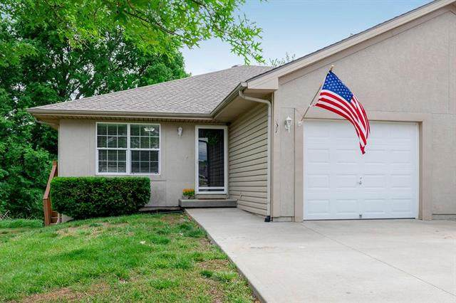 337 N 4th Terrace, Louisburg, KS 66053 (#2222488) :: House of Couse Group
