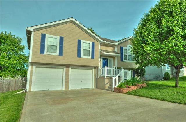 1701 NW Pond Avenue, Grain Valley, MO 64029 (#2222527) :: The Shannon Lyon Group - ReeceNichols