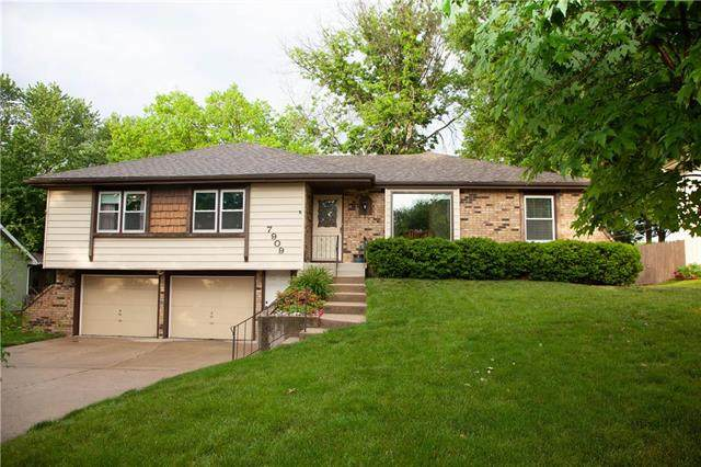 7909 N Forest Avenue, Kansas City, MO 64118 (#2222559) :: Ron Henderson & Associates