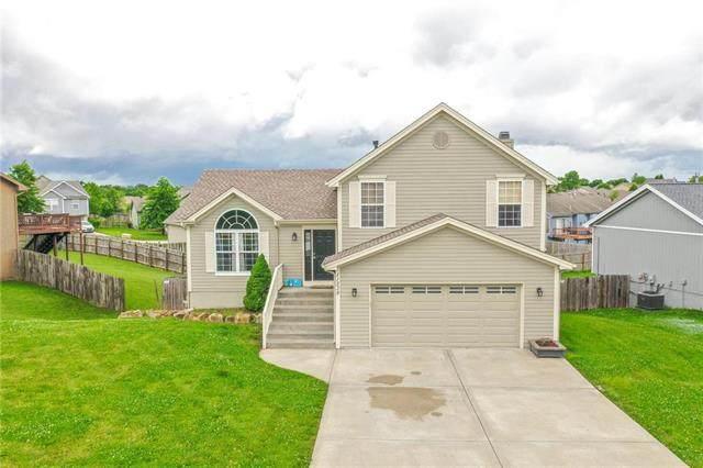 11238 N Madison Avenue, Kansas City, MO 64155 (#2222571) :: Dani Beyer Real Estate