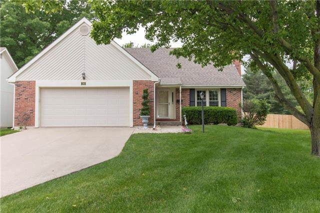 14 Stratford Place, St Joseph, MO 64506 (#2222581) :: House of Couse Group