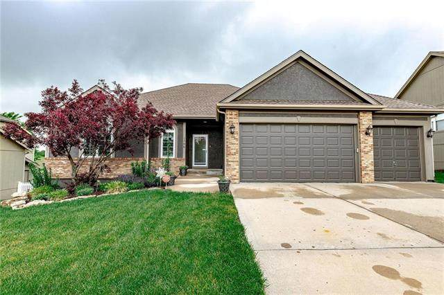 1706 Esther Drive, Kearney, MO 64060 (#2222584) :: House of Couse Group