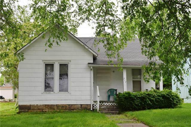 317 Broad Street, Warrensburg, MO 64093 (#2222595) :: The Shannon Lyon Group - ReeceNichols