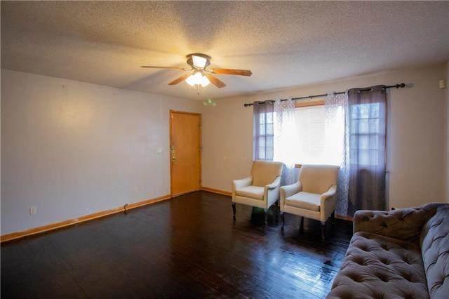 7118 Cleveland Avenue, Kansas City, MO 64132 (#2222639) :: Audra Heller and Associates