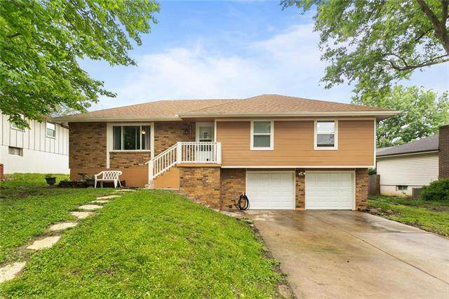 16900 E 29th Street, Independence, MO 64055 (#2222659) :: House of Couse Group